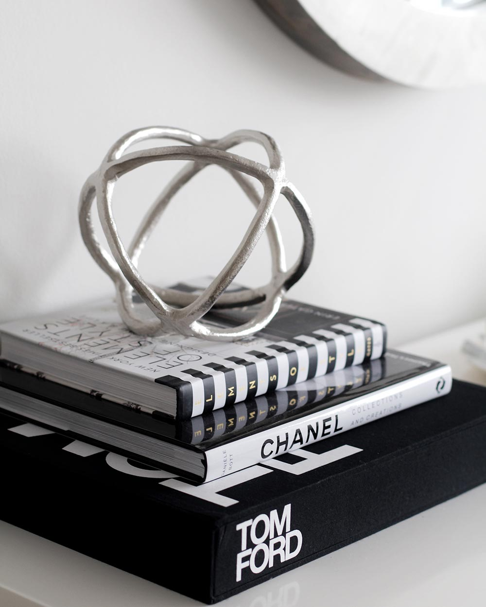 Fashion Books 2017: Fashion & Photography Books To Spruce Up Your Home