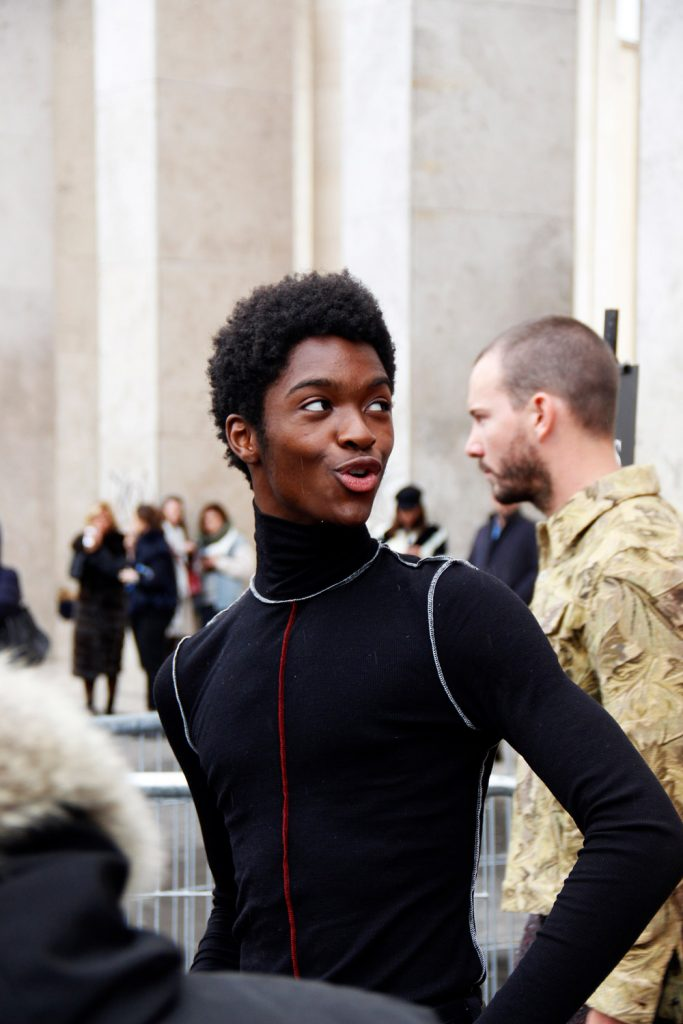 Paris Fashion Week Fall-Winter 2018 Street Style