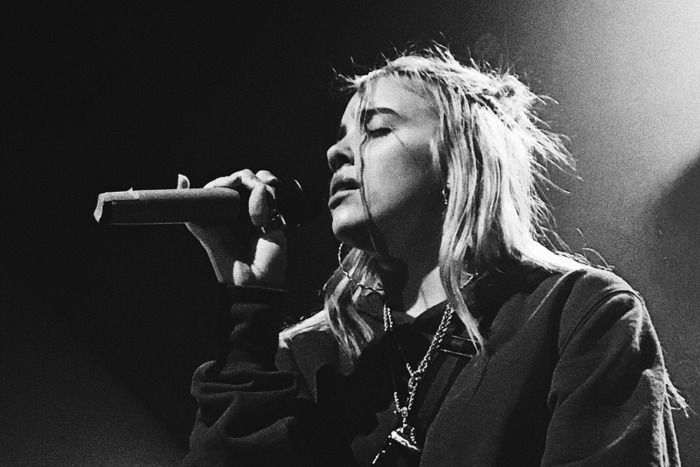 concert review billie eilish sick in every way