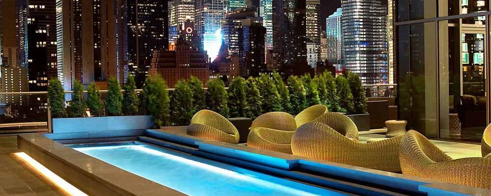 5 Rooftop Bars in New York With Stunning Views Of Their