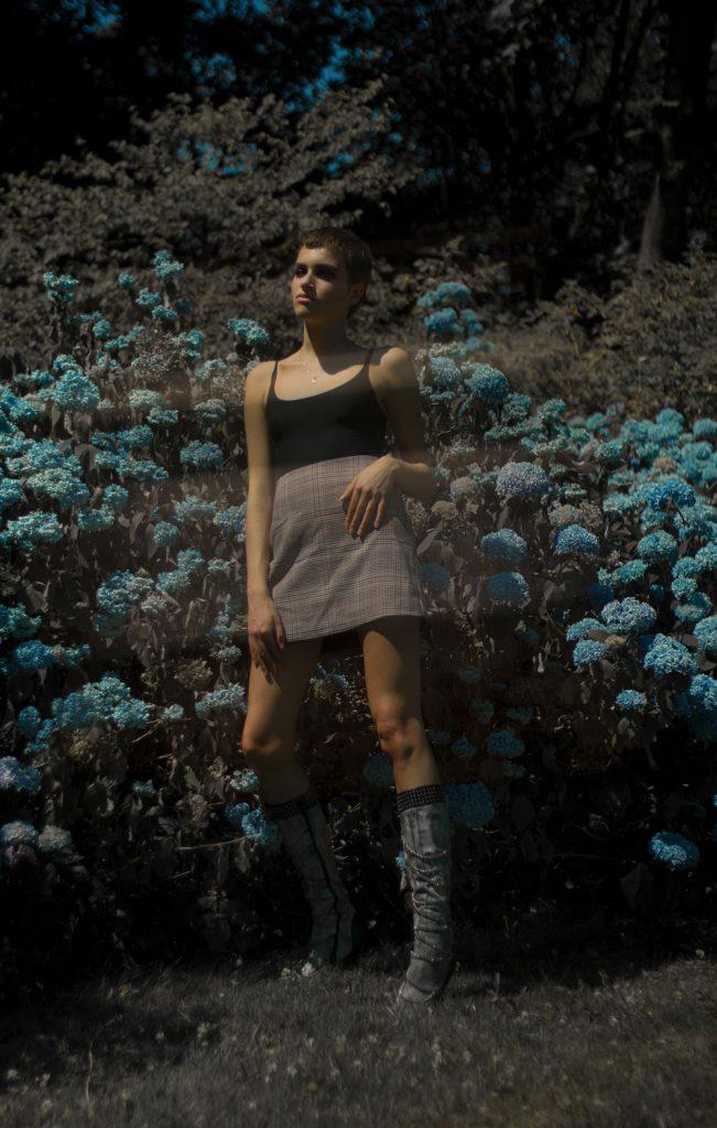 Editorial: Chateau de Chantelle feat. model Alice Cols