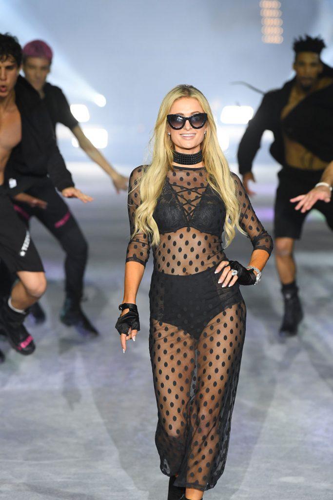 Tezenis Fashion Show Paris Hilton