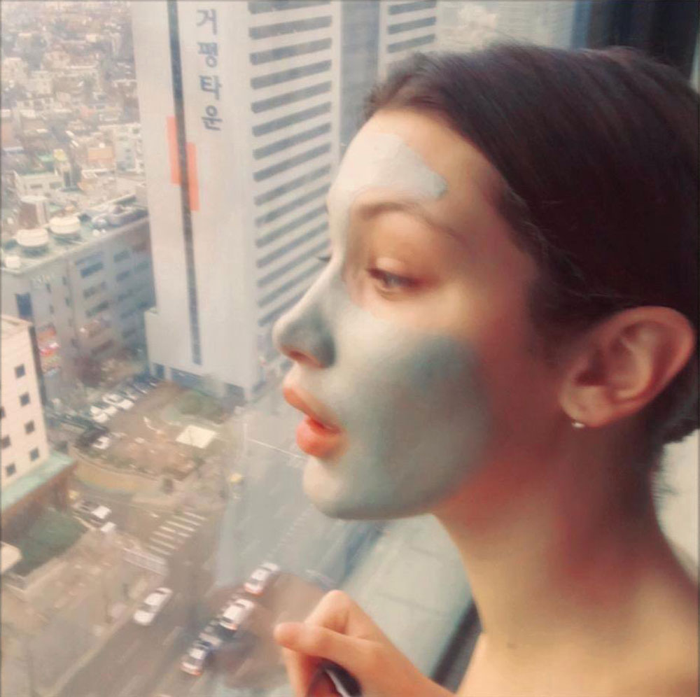 Bella Hadid Facial Mask Pores